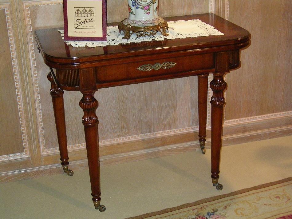 Manghisi mobili arredamenti classici e moderni dal 1937 for Complementi d arredo classici